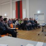 Veranstaltungssaal, Teilnehmer, fotografiert von links vorn